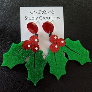 🆕 Studly Creations - Holly Christmas earrings